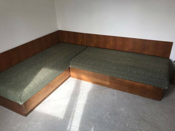Ъглови дивани  запазени