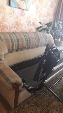 Срочно! Диван трансформер и два кресла. Производсто Белоруссия.