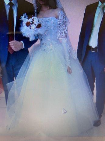 Свадебное платье 30000