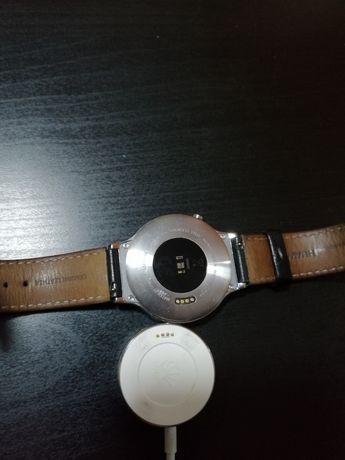 Vând huawei watch w1