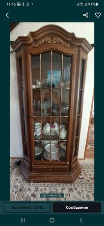 Продам дубовый шкаф-горка