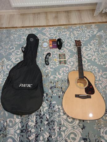Продам аккустическую  гитару Yamaha F600