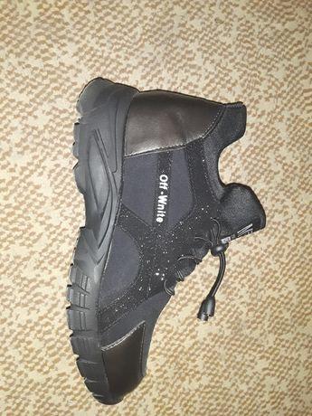 Продам женские ботинки осень