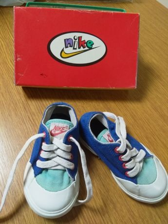 Спортни обувчици на NIKE за дете