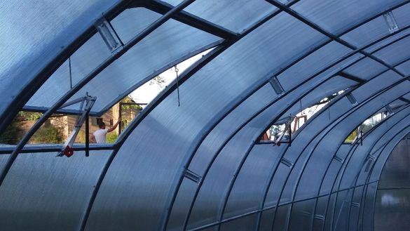 Професионални и хоби поликарбонатни оранжерии