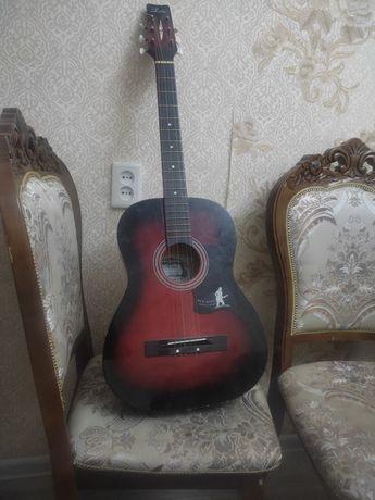 Продам гитару новая