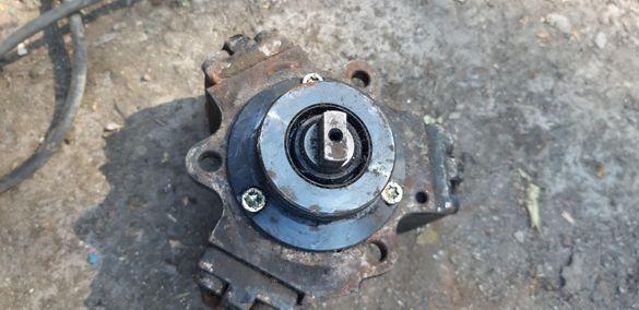 ГНП нафтова помпа за мерцедес Mercedes Benz С250 200 Sdi 220