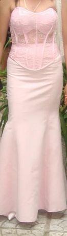 Бутикови бални рокли обличани по един път