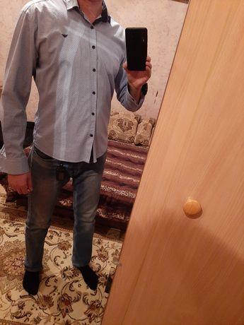 Продам рубашки, 3 шт,цвет синий и голубые.