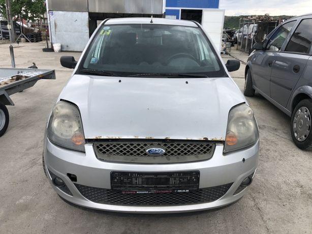 Dezmembrez Ford Fiesta 1.4 benzina 2007