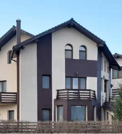 Inchiriez vila in Moara de Vant ( 340 mp) parter+etaj+mansarda