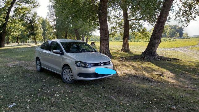 Продам Volkswagen Polo ,купленный ноябре 2015 года.