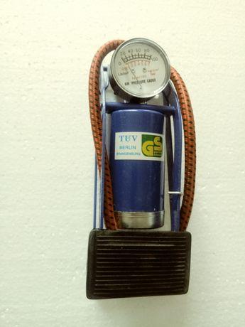 Насос с монометром