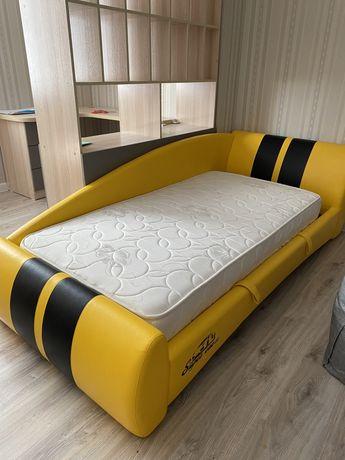 Кровать отличного качества
