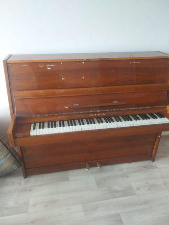 Пианино « Рига ».