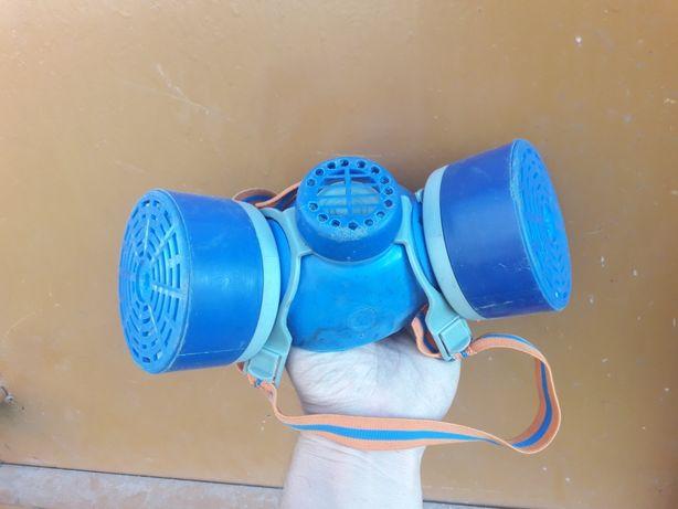 Респиратор универсальный БРИЗ - 3202 (МЧС) для домашнего хозяйства