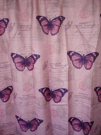Готова, ушита завеса с пеперуди
