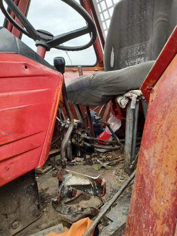 Vând tractor forestier U651