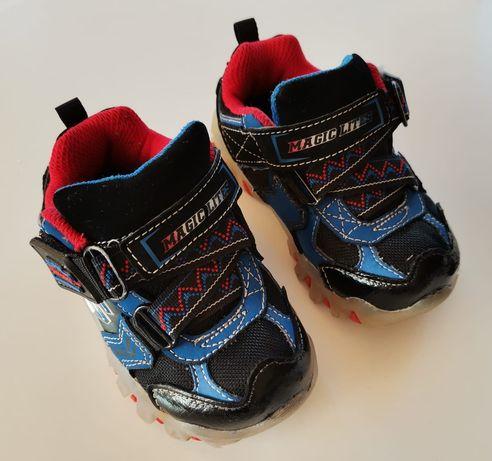 Детски светещи маратонки Skechers 22номер