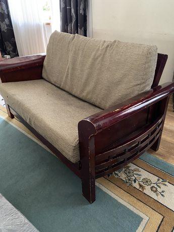 2 дивана и 1 кресло дерево
