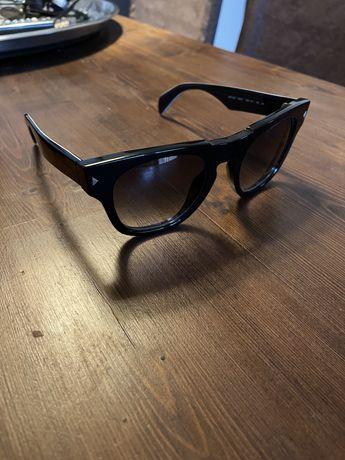 Очила Prada