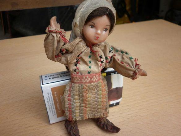 Стара кукла Царство България  бродерия шевици