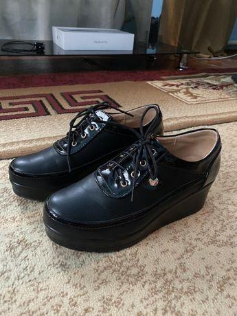 Продам новую осеннюю обувь
