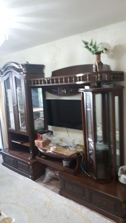 Горка гостиная с пространством для телевизора