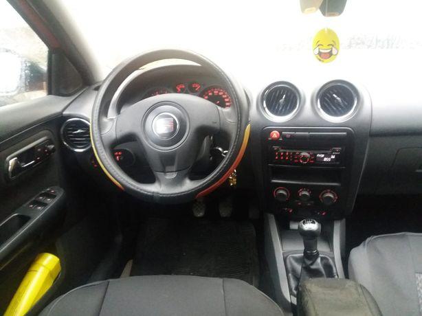 Mașina Seat Ibiza