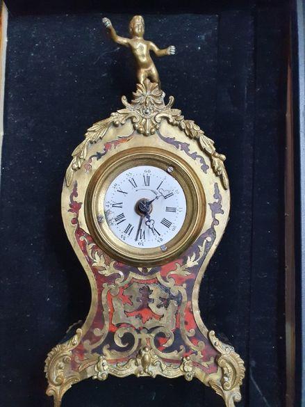 Стар месингов каминен настолен часовник