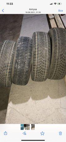 Продам 3 шт зимние шины с шипами , 1 летний