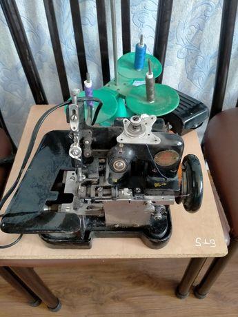 Швейная машина оверлоки