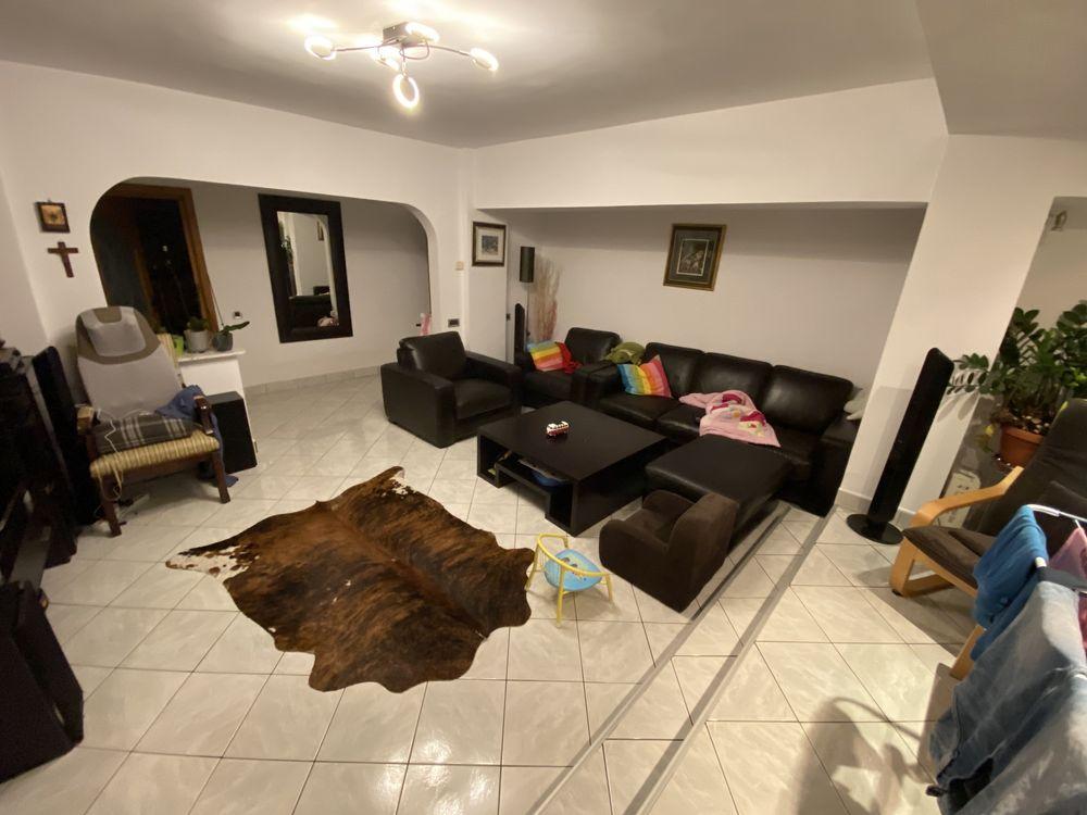 Apartament 4 camere de inchiriat