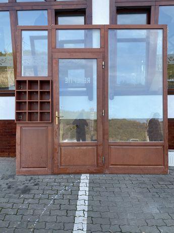 Vand usa cu geamuri din termopan