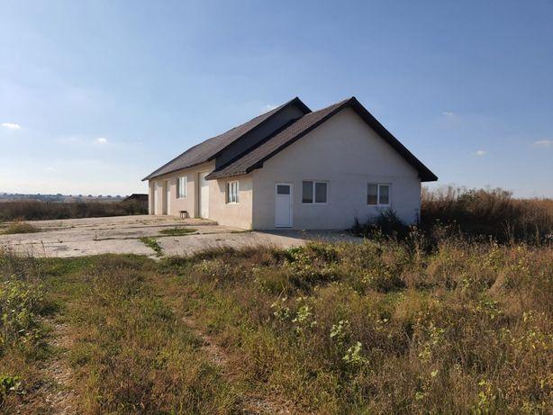 Vând hală cu teren în Săucești Bacău