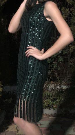 Зелена пайетена рокля