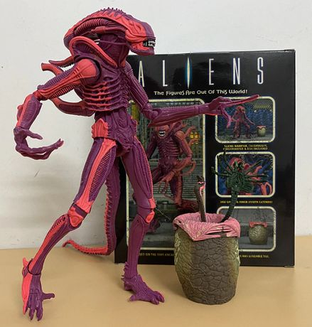 Figurina Alien Xenomorph pink Warrior 21 cm
