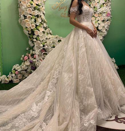 Продам свадебное платье, торг уместен