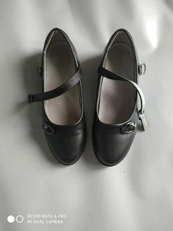 Туфли школьные для девочки,размер 36.