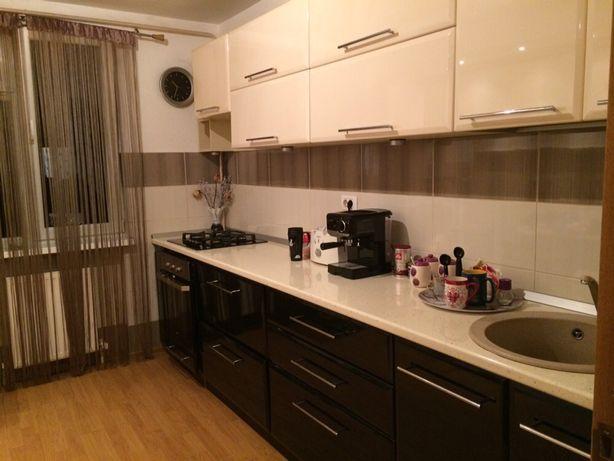 Apartament 4 camere+living, str. Petru Rares