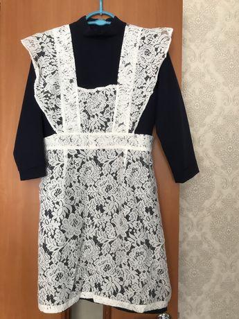 Продается школьное платье и фартук