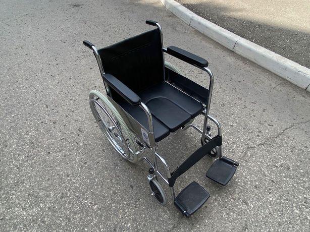Коляска для инвалида с туалетом