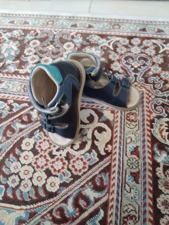 Продам детскую ортопедическую обувь,