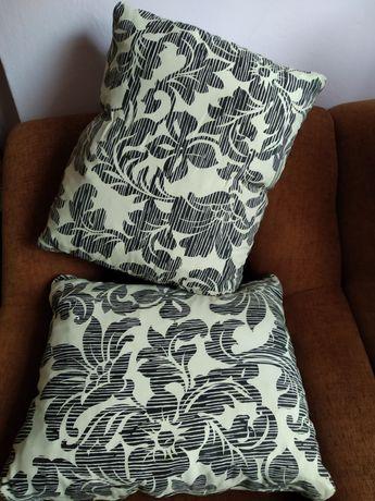 Възглавници черно и бяло