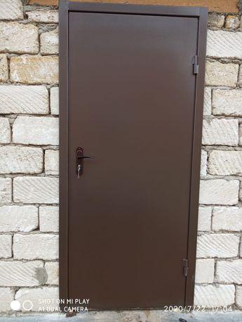 Железный двери утепленные и пустые. На заказ любые  размеры