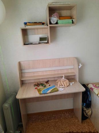 Детская мебель - шкаф, кровать, стол, 2 ящика