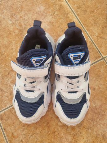 Разная обувь для мальчиков 33 рр