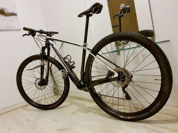 """Redus de la 1800e - Bicicleta NOUA CARBON - SPECIALIZED 29"""""""