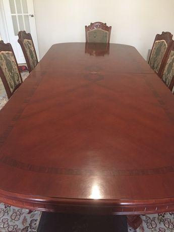 Стол для гостинной
