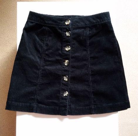 Къса пола H&M с трапецовидна кройка и с копчета отпред - кадифена